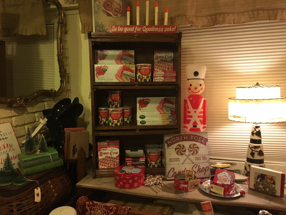 The Vassar House Antiques and Gifts