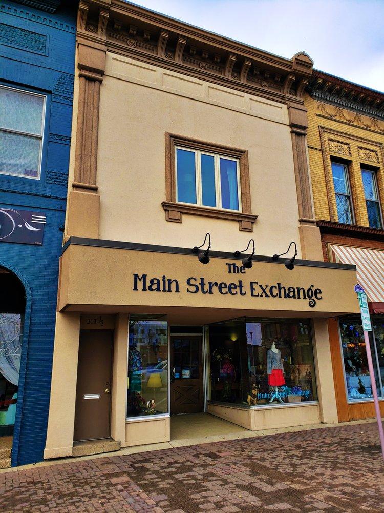 Main Street Exchange: 303 Main St, Cedar Falls, IA