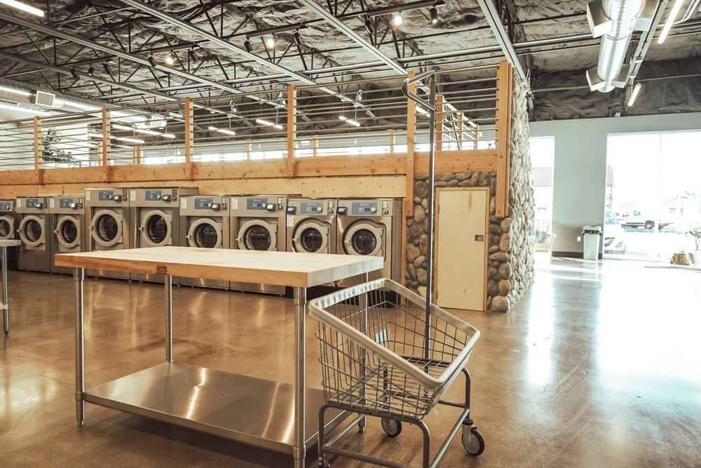 Clean Laundromat: 825 W 7th Ave, Eugene, OR
