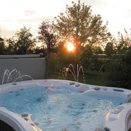 entspannungsform 12 photos piscines jacuzzi. Black Bedroom Furniture Sets. Home Design Ideas