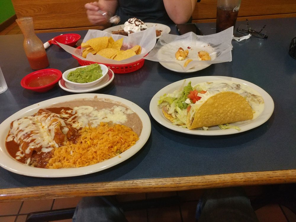 Los Primos Mexican Bar & Grill: 2943 West 800 S, Bunker Hill, IN