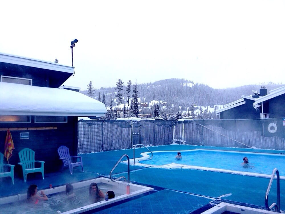 Outdoor Swimming Pool And Jacuzzi Open 2 10 Pm Heated Indoor Dressing Room Is Nice