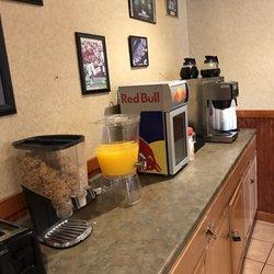 Etonnant Photo Of Americas Best Value Inn   Foxboro, MA, United States. Corn Flakes