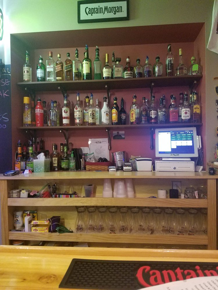 Stones Bar & Grill: 4 Mechanic St, Harrington, DE