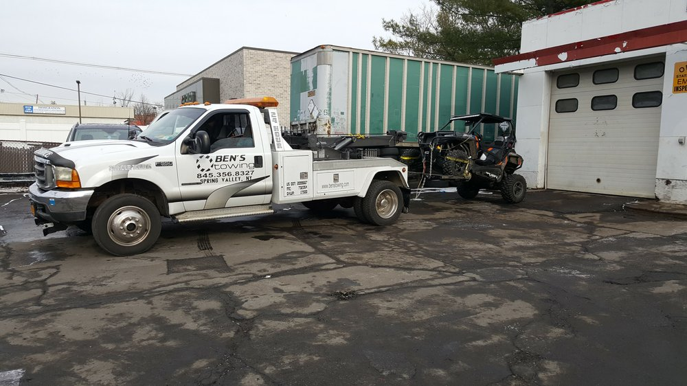 Towing business in Kaser, NY