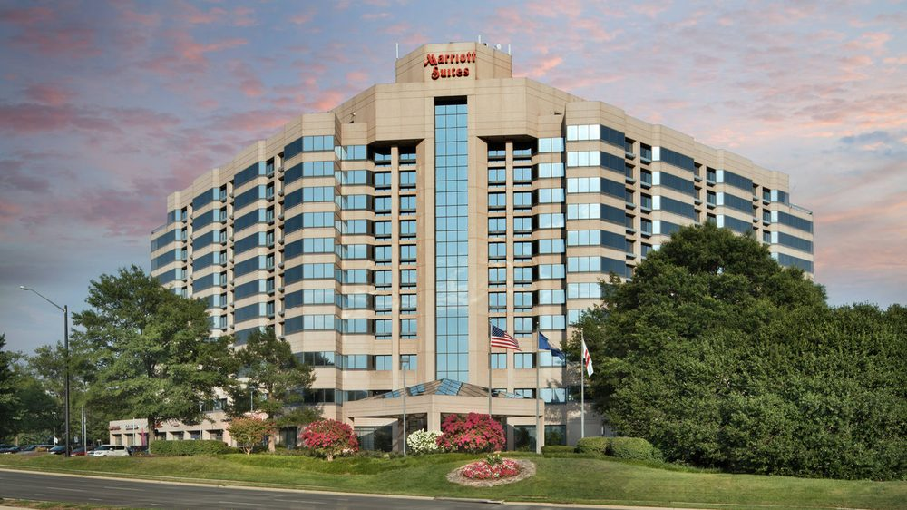 Washington Dulles Marriott Suites: 13101 Worldgate Dr, Herndon, VA