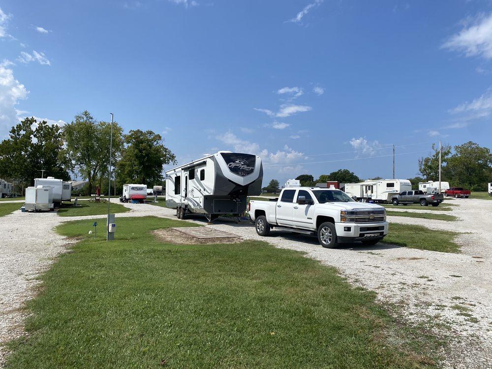 Camp Mi Casa: 17601 Old 66 Blvd, Carthage, MO