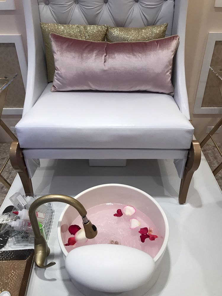 Reluxe Nail And Spa Boutique