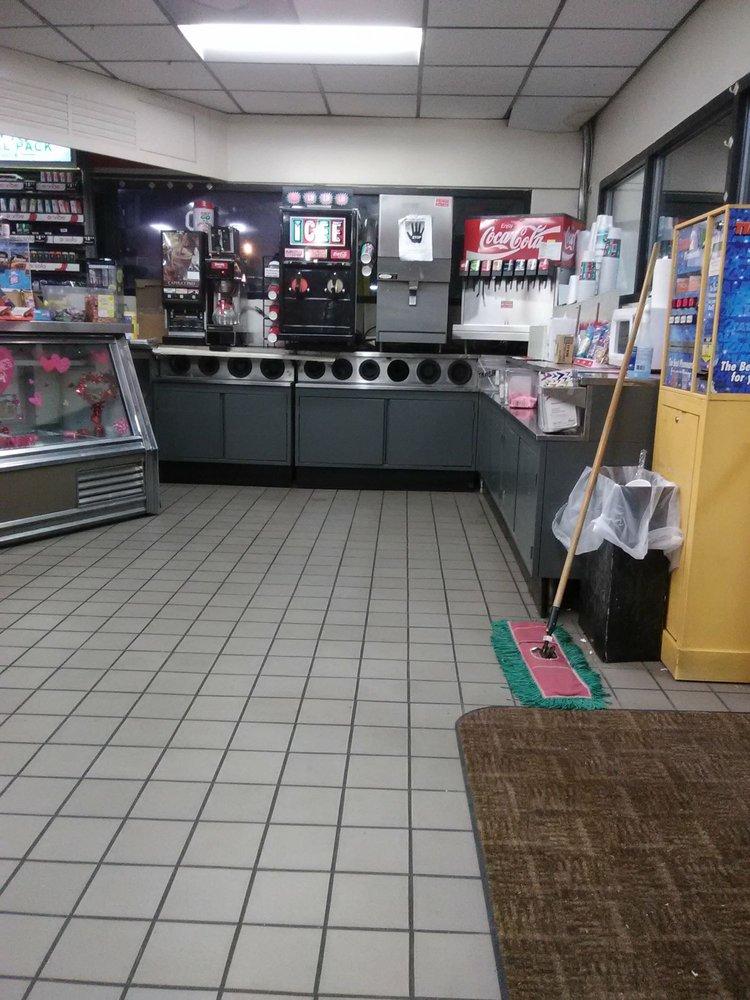 Exxon Food Mart: 229 S Central St, Warren, AR