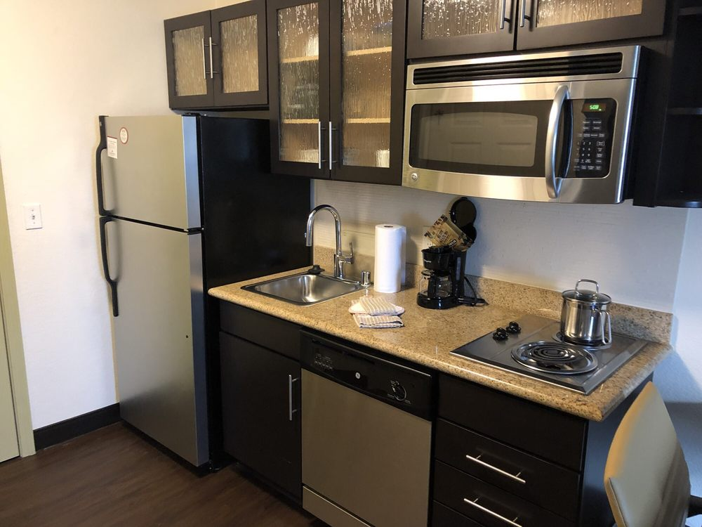 Candlewood Suites: 3940 Coleman Crossing Cir, Paducah, KY