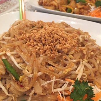 Thai house restaurant 253 photos 231 reviews thai for Arlington thai cuisine