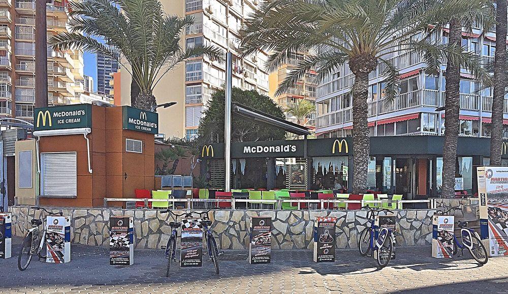McDonald's: Avenida de Madrid, 33, Benidorm, A