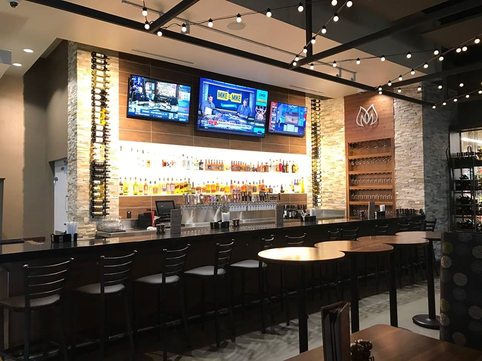 Hy-Vee Market Grille: 1307 18th Ave Nw, Austin, MN