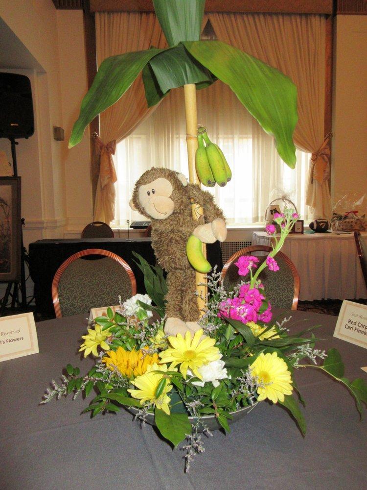 Nevills Flowers: 748 Broad St, Montoursville, PA