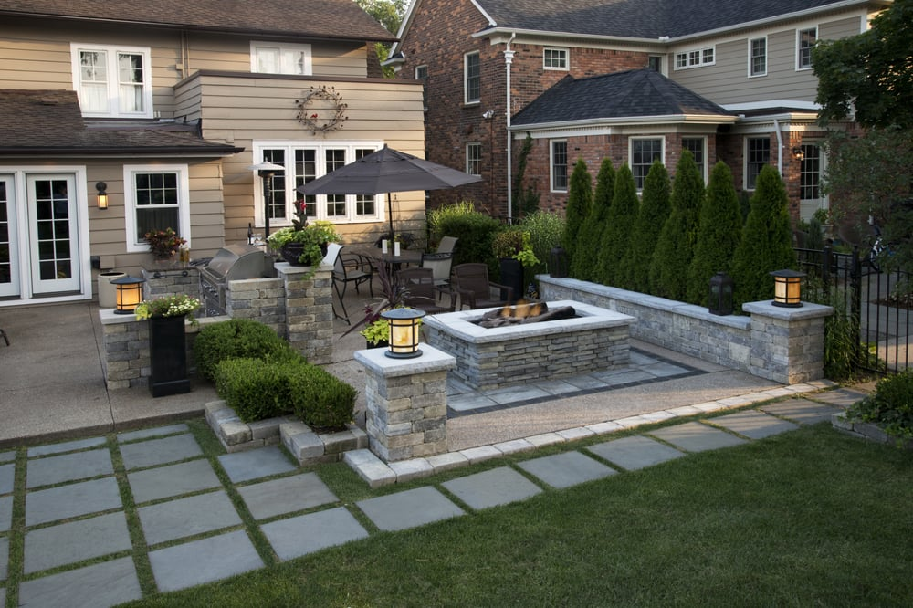 Beautiful outdoor entertainment area, with built-in grill ... on Garden Entertainment Area Ideas id=52588