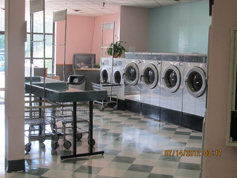 The Laundry Club: 6 University Dr, Amherst, MA