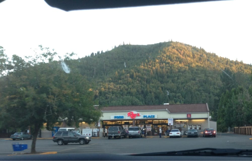 Rays Food Place #43: 868 2nd Ave, Gold Hill, OR