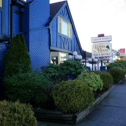 Robin Hood Liquor Store - 13468 72 Ave, Surrey, BC - 2019