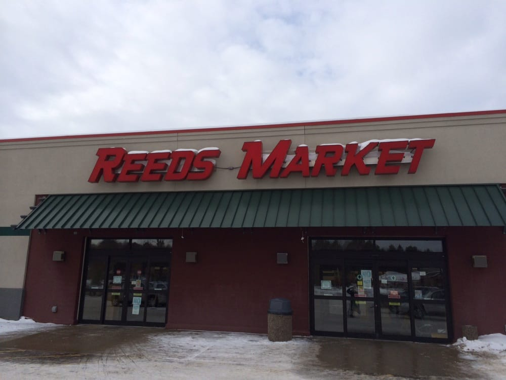 Reed's Country Market: 35561 County Road 3, Crosslake, MN