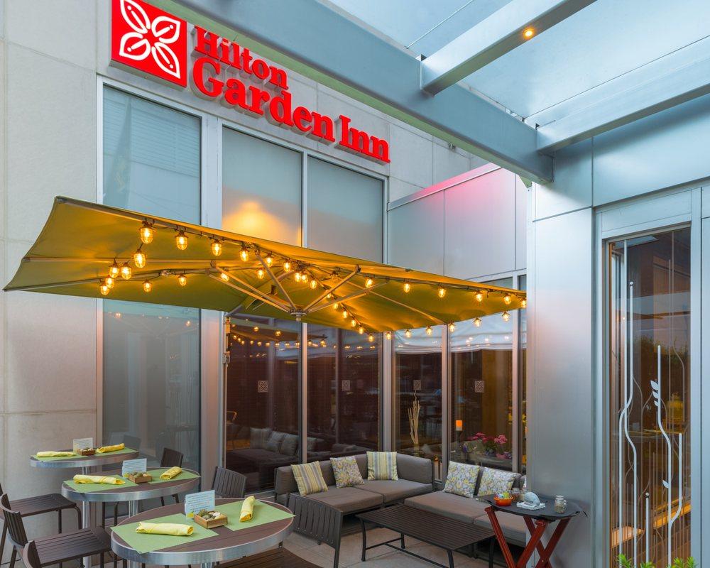 Hilton Garden Inn New York Manhattan Midtown East 56 Photos 80 Reviews Hotels 206 E 52nd