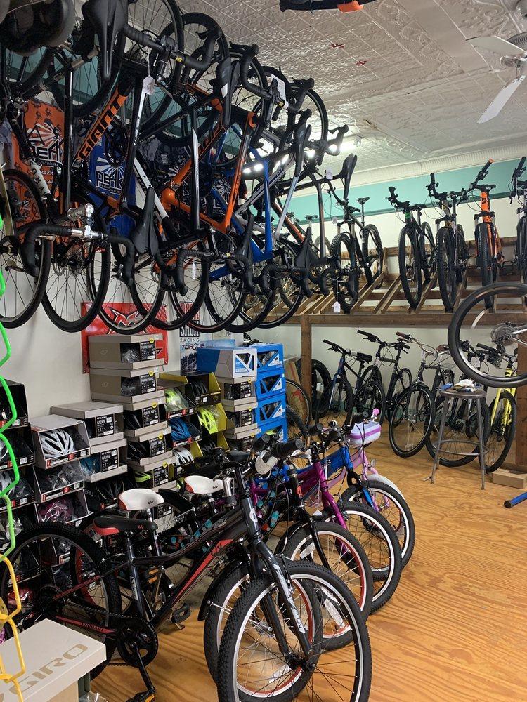 Peak Mountain Bike Pro: 4242 235th St, Little Neck, NY