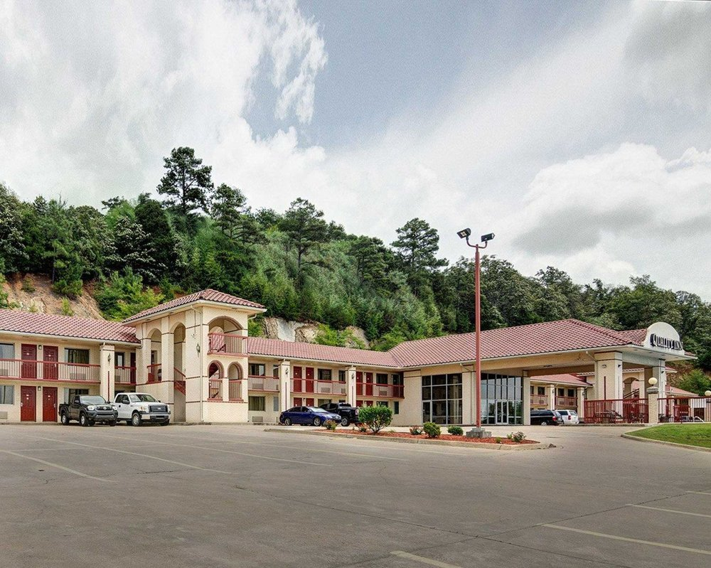 Quality Inn 16 Photos Hotels 150 Skyline Drive Conway Ar Phone Number Yelp