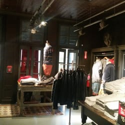 Hollister Accessories 630 Old Country Rd Garden City Ny United States Phone Number Yelp