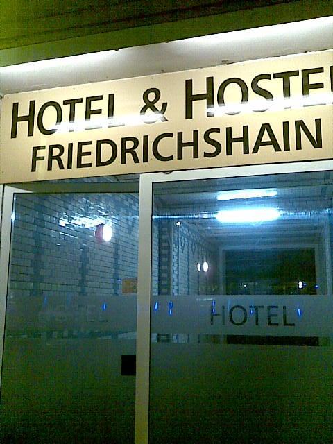 hotel hostel friedrichshain 10 rese as hoteles warschauer str 57 friedrichshain. Black Bedroom Furniture Sets. Home Design Ideas