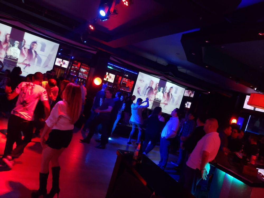 Rain Bar & Lounge