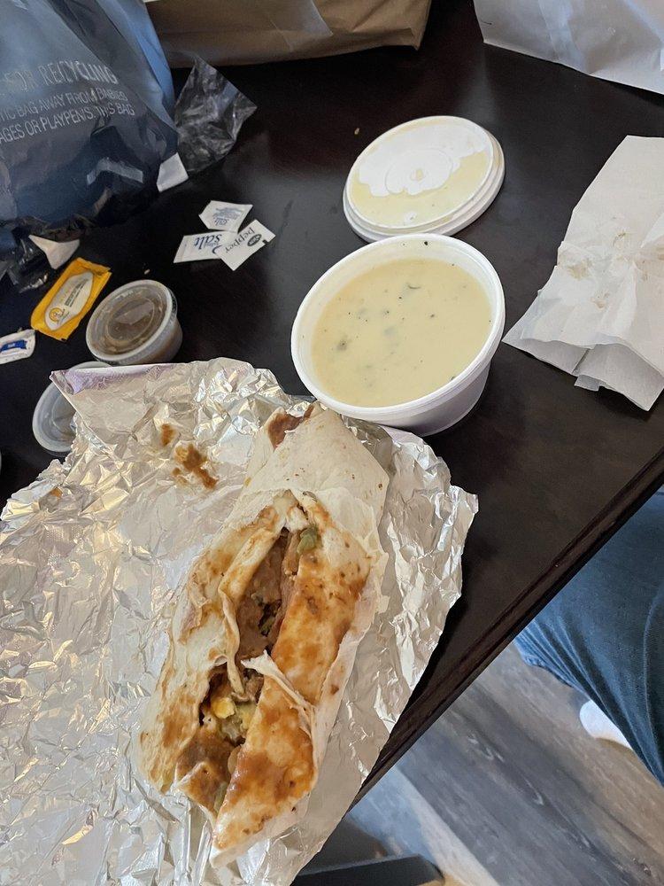 BB's Burritos: 2405 E Hwy 377 E, Grandbury, TX