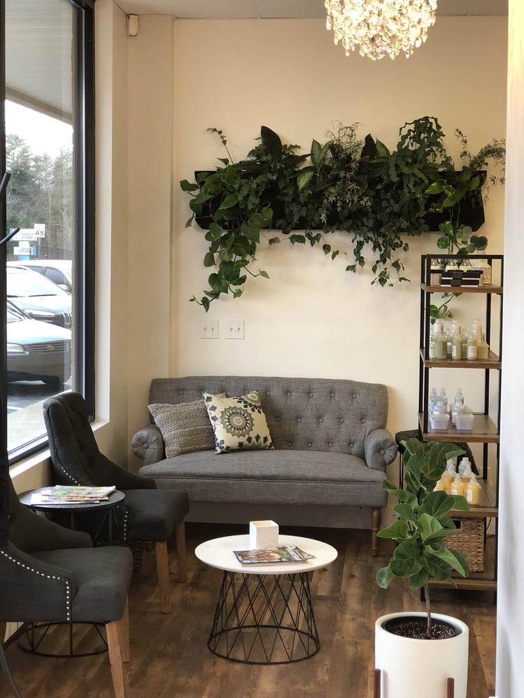 Bloom Beauty Salon: Asheville, NC