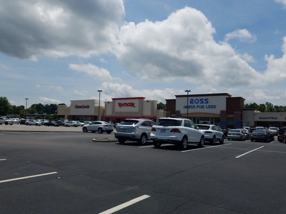 McFarland Plaza: 511 Hargrove Rd E, Tuscaloosa, AL