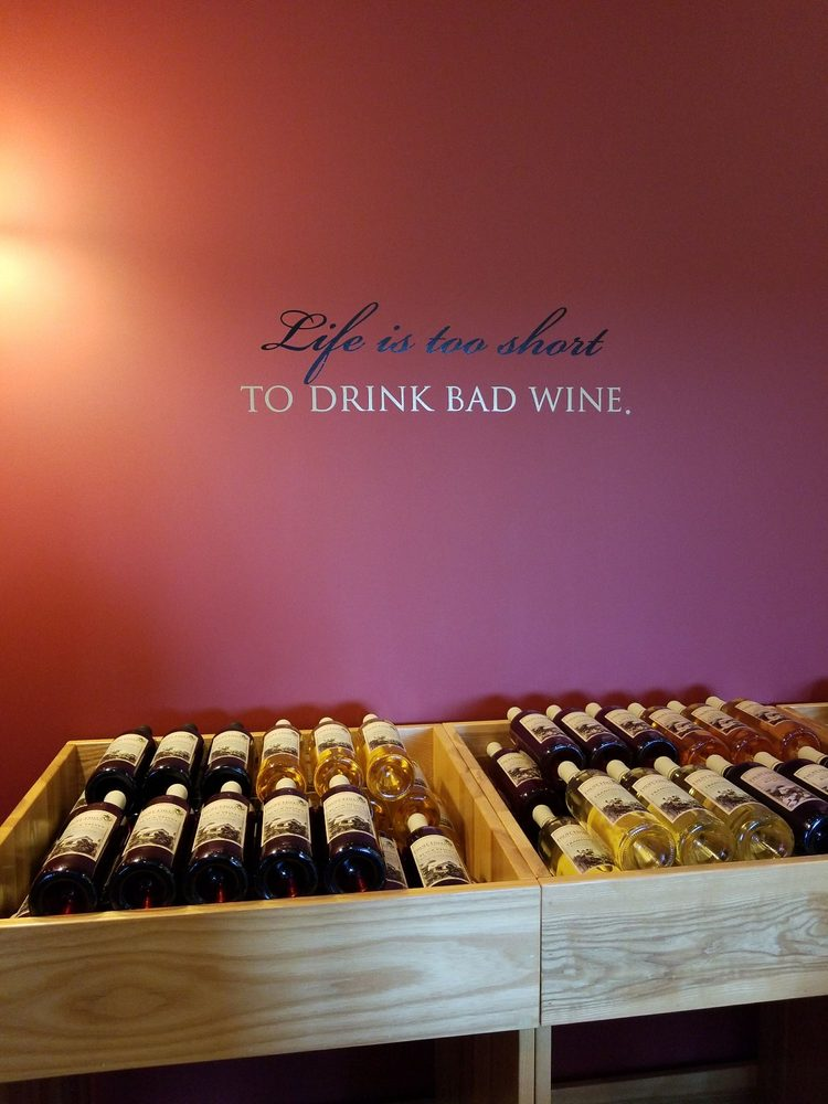 Fruit Hills Winery & Orchard: 55503 State Road 15, Bristol, IN