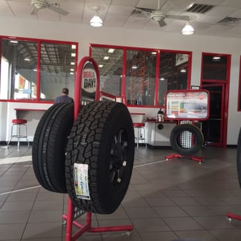 Discount Tire 13 Photos 25 Reviews Tires 1492 W Pipeline Rd
