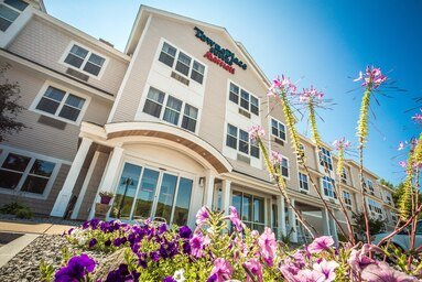 TownePlace Suites by Marriott Laconia Gilford: 14 Sawmill Road, Gilford, NH