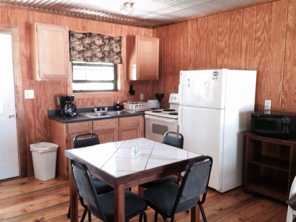 Oak Hill Cabins: 831 W Ranch Rd 337, Leakey, TX