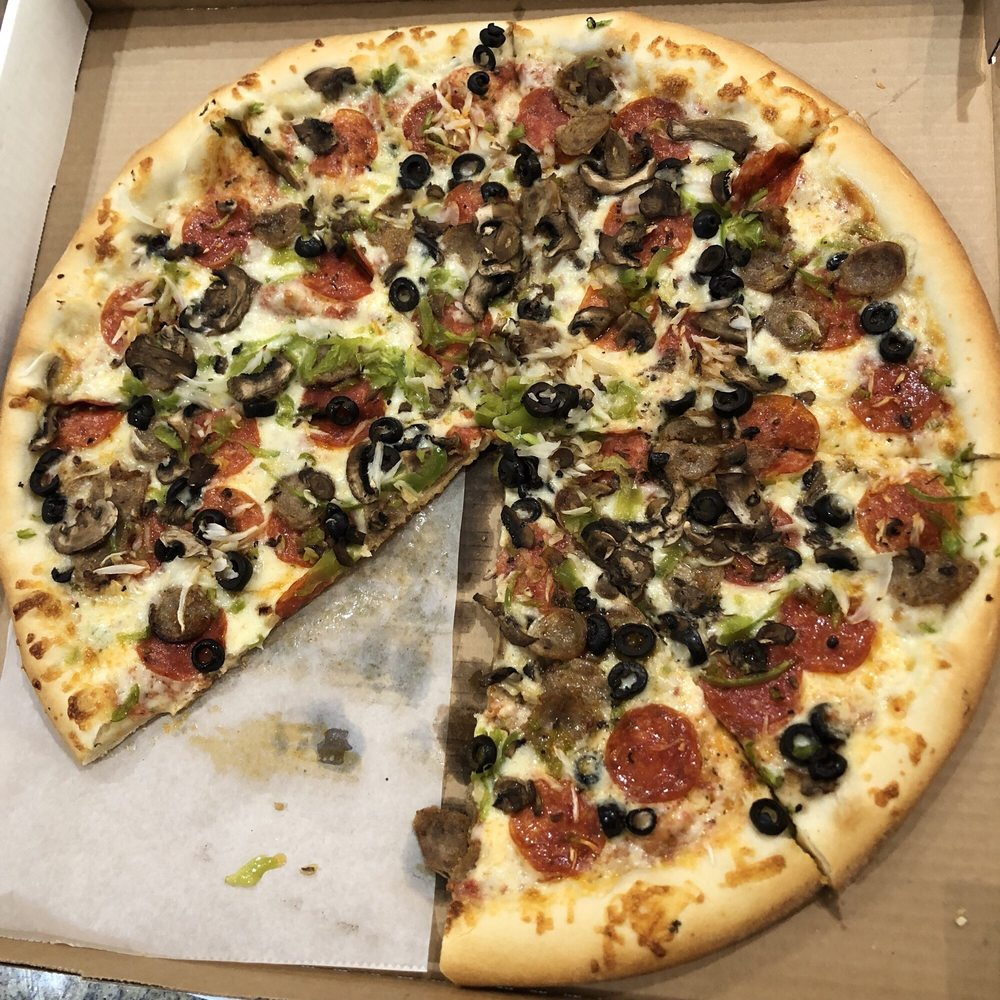 Rosie's Pizzeria: 100 Country Center Dr, Pagosa Springs, CO