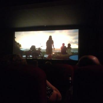 Blue room cinebar 12 photos 13 reviews cinemas 151 for Blue room cinebar