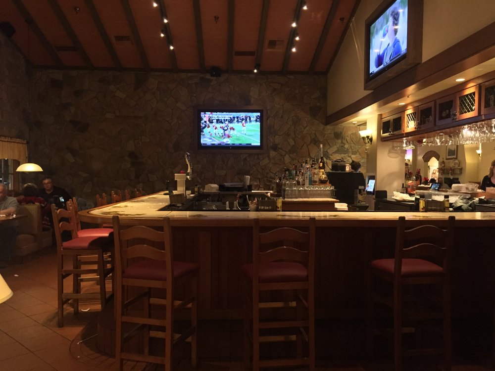 december 26 2016 bar area at olive garden italian restaurant southaven ms yelp