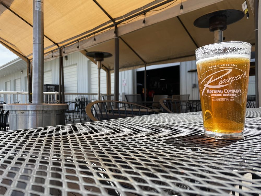 Riverport Brewing Company: 150 Ninth St, Clarkston, WA