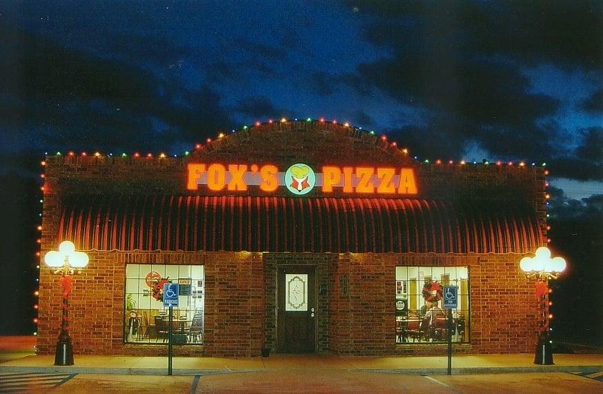 Fox's Pizza Den: 6361 Hwy 4, Winnsboro, LA