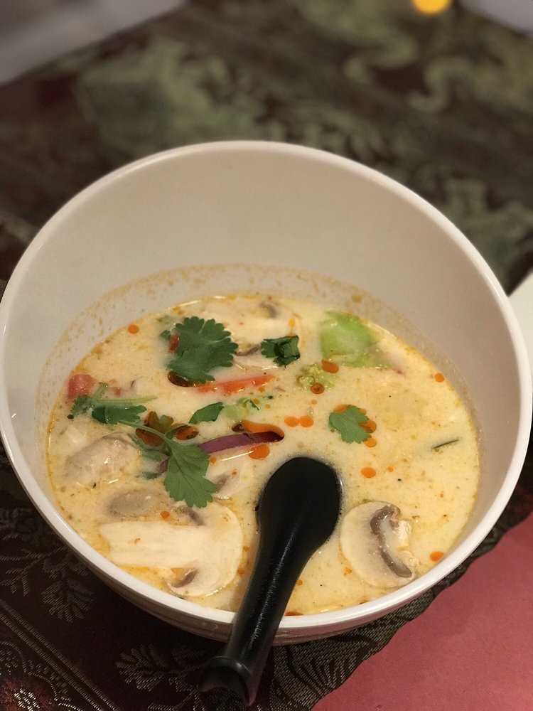 Thai Chef Cuisine: 310 N Citrus Ave, Azusa, CA