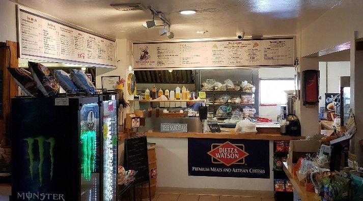 Winnisquam Market & Deli: 1021 Laconia Rd, Tilton, NH