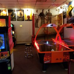 Diversions Game Room 41 Photos Amp 39 Reviews Arcades