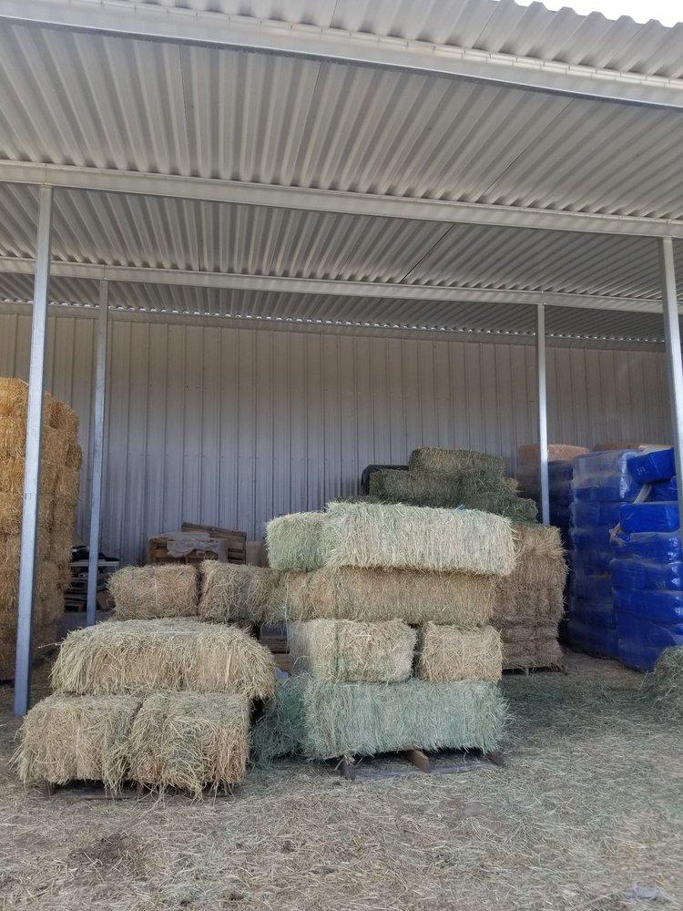 Vista Feed & Supply: 2052 W Sahuarita Rd, Vail, AZ