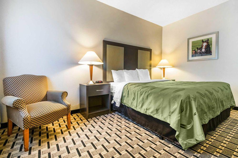 Quality Inn: 2381 Buena Vista Dr, Lexington, KY
