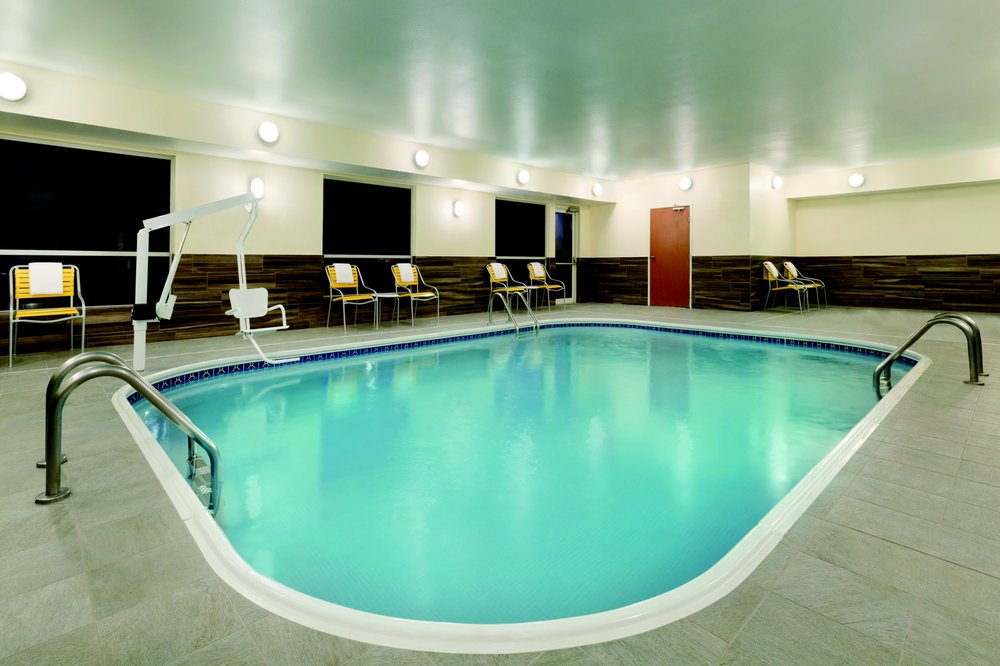 Fairfield Inn & Suites Bismarck South: 135 Ivy Ave, Bismarck, ND