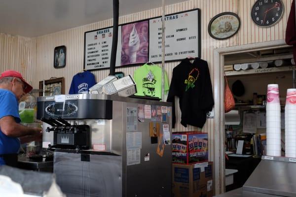 Mr Frostie - 325 Photos & 581 Reviews - Ice Cream & Frozen Yogurt