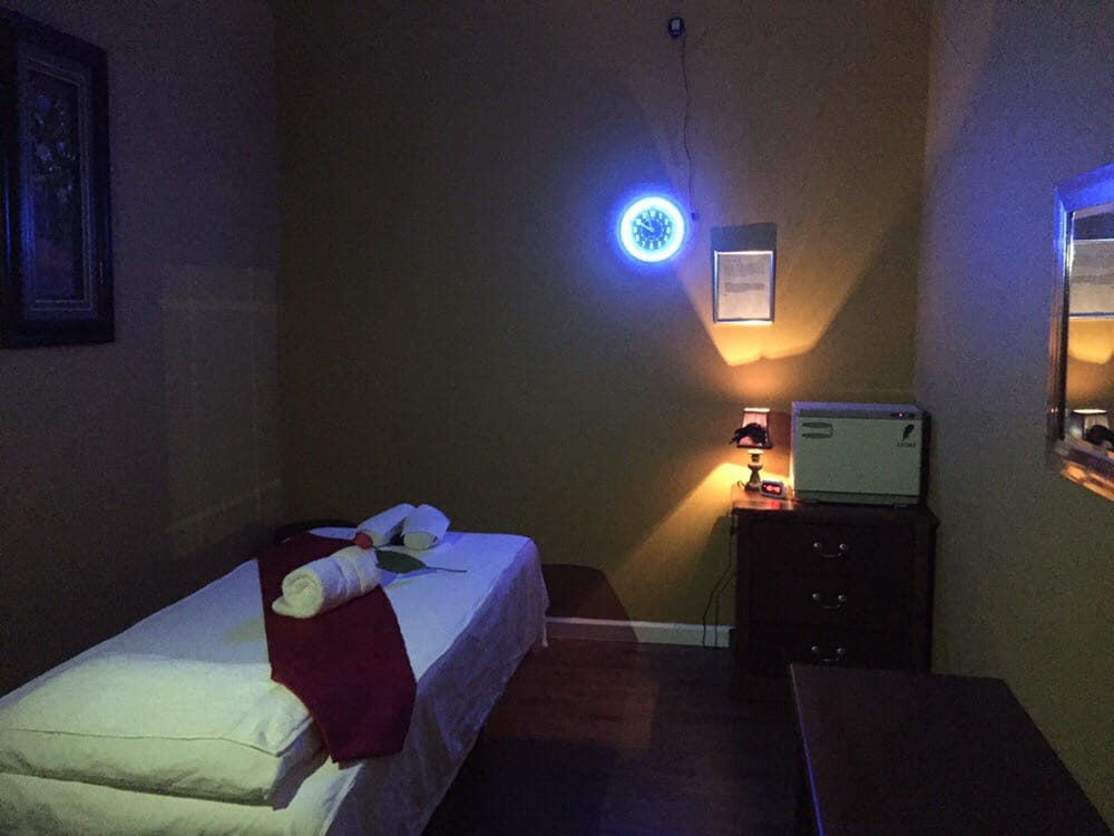 Clear Lake Massage - CLOSED - 20 Photos - Reflexology - 1080 Clear Lake  City Blvd, Clear Lake, Houston, TX - Phone Number - Yelp