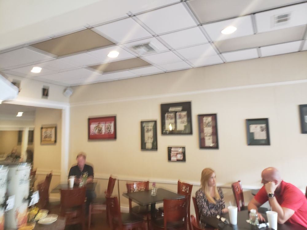 Four Seasons Market & Eatery: 212 S Palafox Pl, Pensacola, FL